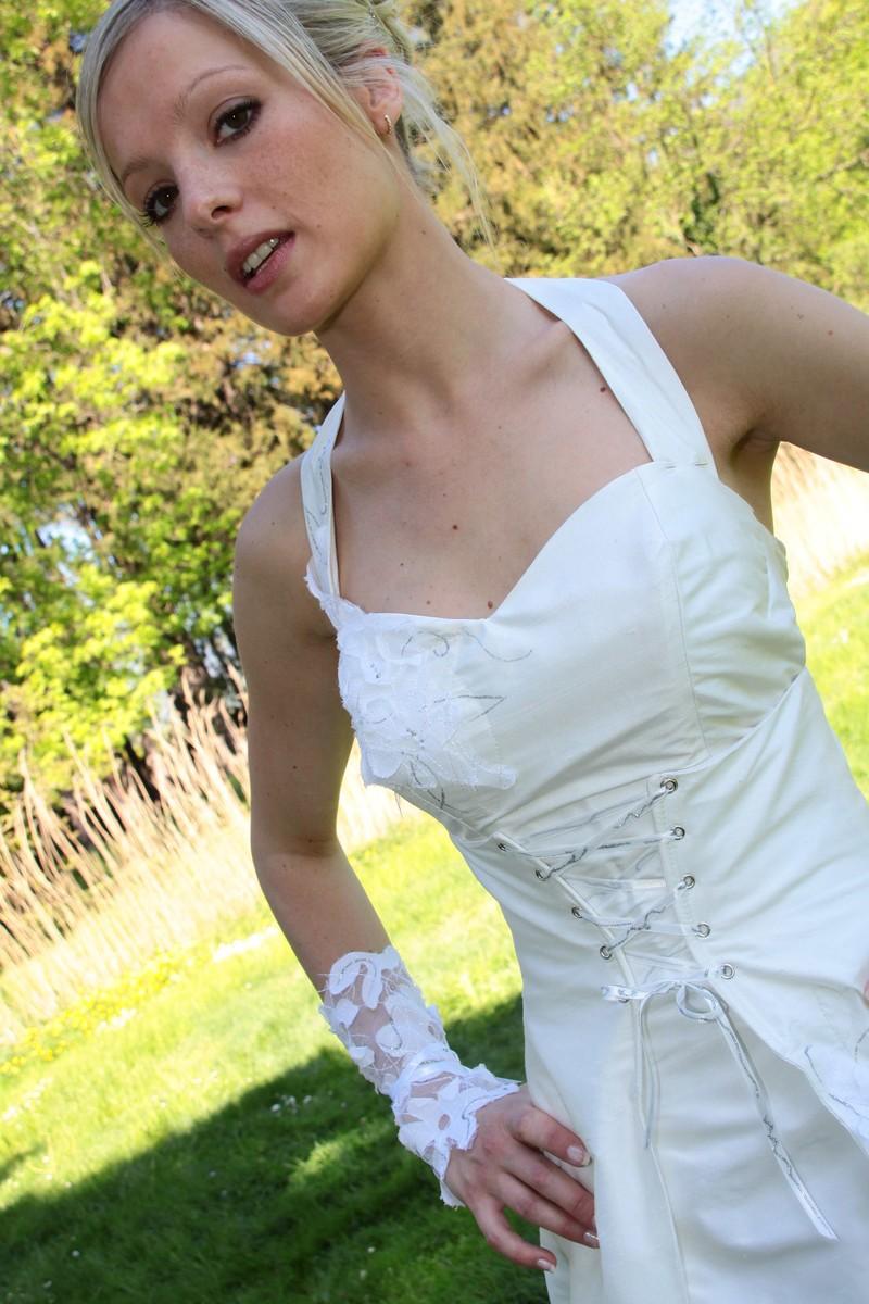 Robe de mariee modulable grenoble onctueuse détail devant - Voir en grand