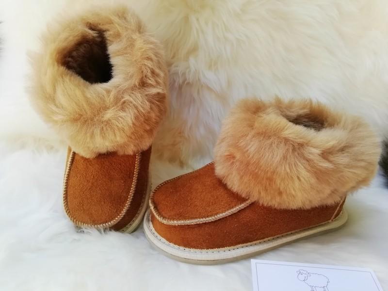 chaussons enfants en mouton retourné trés cocooning - Chaussons enfants - La Petite Boutique - Voir en grand