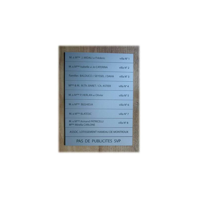 plaque  boite aux lettres argent gravure noire, villa 38410, graveur amalgame à grenoble - Voir en grand
