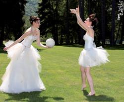 Robe de mariée modulable Essentielle  grenoble  - Robes de mariée long et court en même temps - Création Signé Edith  - Voir en grand