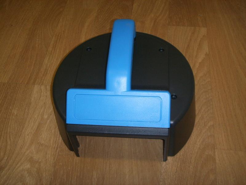capot poignee filtre aspirateur AquaVac Industriel 3000 3100 - Pièces détachées et accessoires AquaVac - MENA ISERE SERVICE - Pièces détachées et accessoires électroménager - Voir en grand