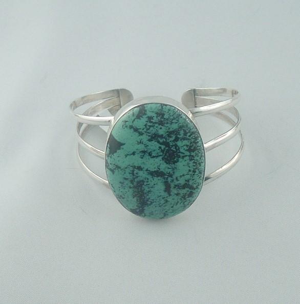 bracelet turquoise rigide - les bracelets - ATELIER LE BERY'L - Voir en grand