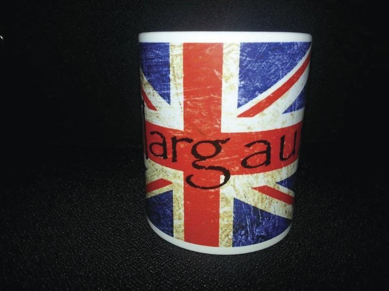 Mug personnalisé Drapeau Anglais avec prénom - MUG, TASSE, TIRELIRE, ... A PERSONNALISER - TIME'S - CADEAUX PERSONNALISES - Voir en grand