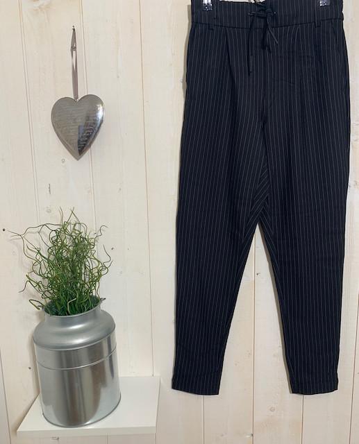 Pantalon femme Only Poptrash Noire fine rayures argentées - Pantalons - INSTAGLAM - Voir en grand