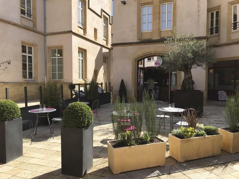 Les restaurants végétalisent leur terrasse! - Terrasses - VATRY-FLEURISTE.COM - Voir en grand