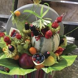 """La corbeille de fruits """"Naissance"""" - Corbeilles de fruits frais Tendances - AUX QUATRE SAISONS - Voir en grand"""