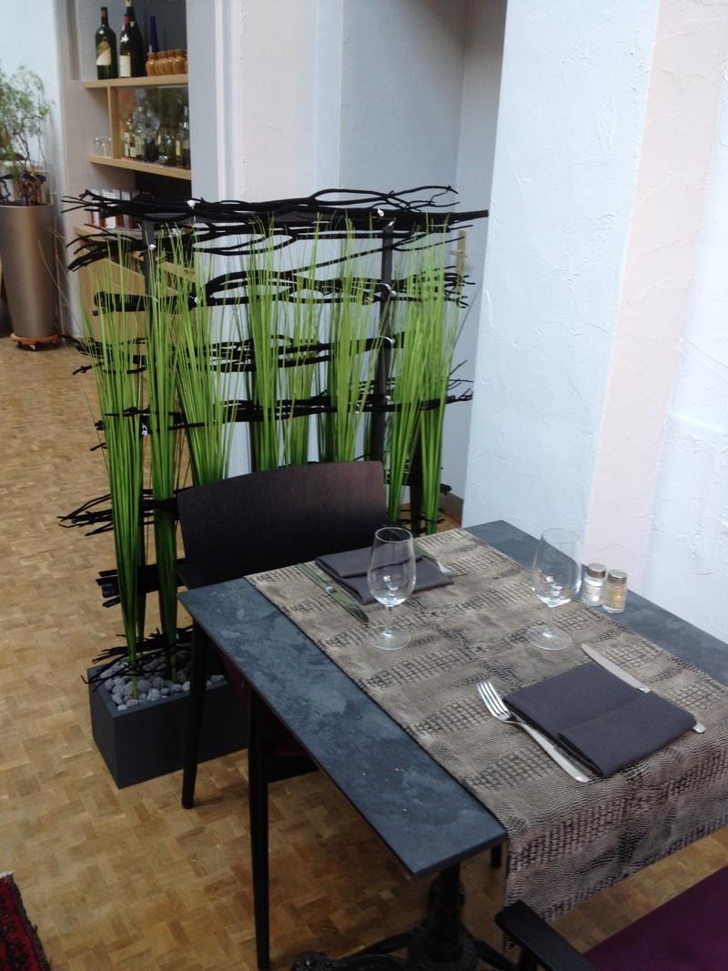 Paravent pour délimiter l'espace dans un restaurant - Voir en grand
