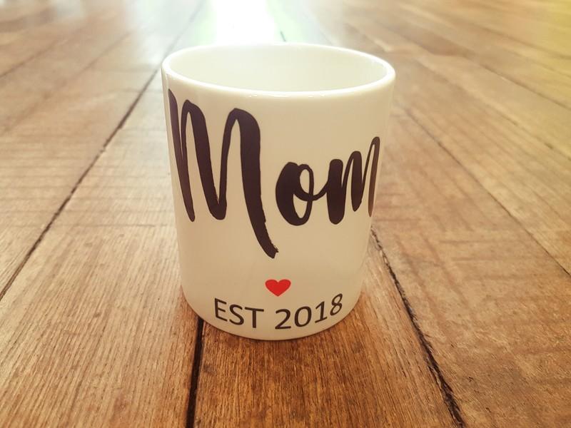 Mug tasse Mom date personnalisée - Voir en grand
