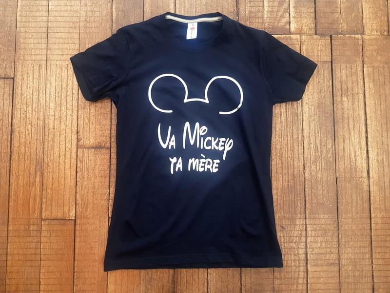 T-shirt noir Va Mickey ta mère - Voir en grand