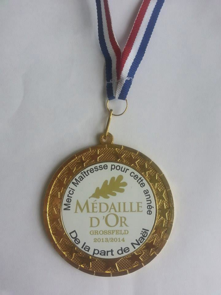 médaille personnalisée + cordon bleu blanc rouge  - Voir en grand