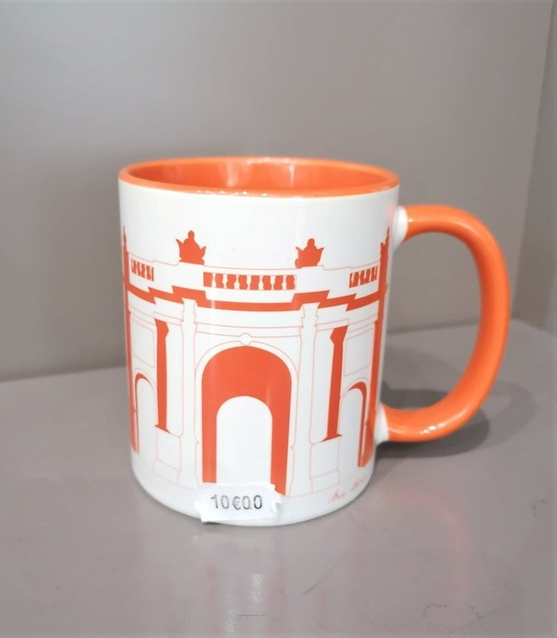 Mug Arc orange Lettre Shop - Mugs - Les Vitrines de Nancy  - Voir en grand