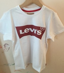 Tee Shirt Tee Nos LEVI'S - Anne plumes Nancy  - Voir en grand