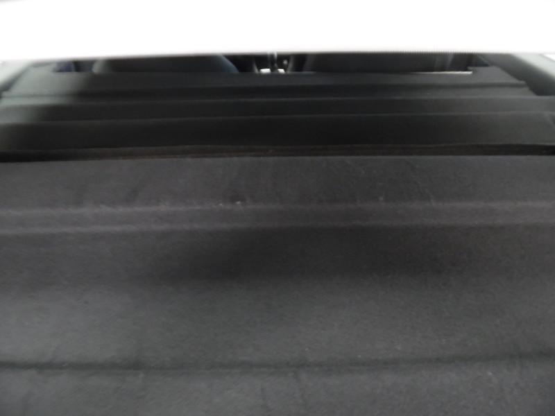 véhicule-d'occasion-peugeot 308 II ste 1.6 bluehdi 100 pack clim nav gps 2 places - Voir en grand