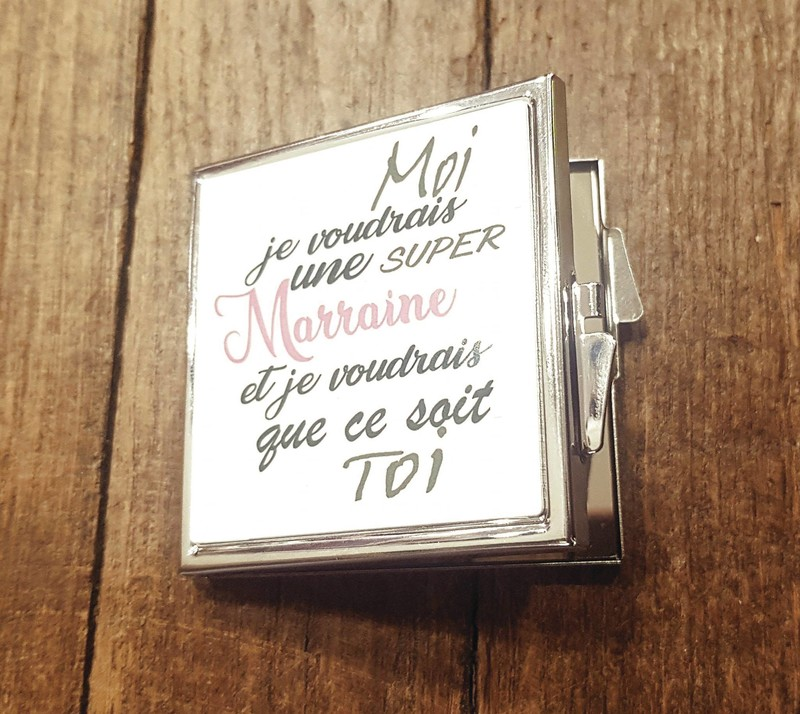 Miroir de poche carré personalisé - Voir en grand