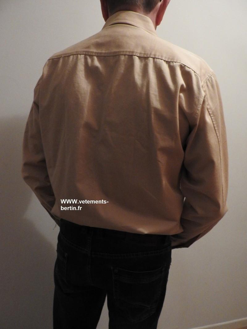 Chemise 2 poches poitrine, grande qualité, de dos, confectionnée avec un tissus de 1er choix. - Voir en grand