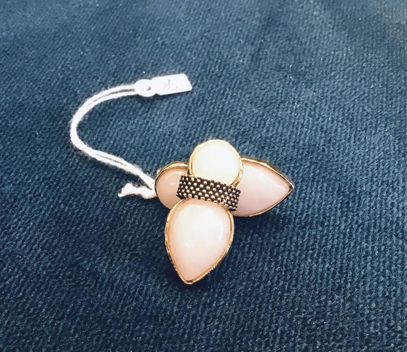Boucles d'Oreilles Poggi perle nacrée  - Bijoux, BO - EVIDENCE  - Voir en grand