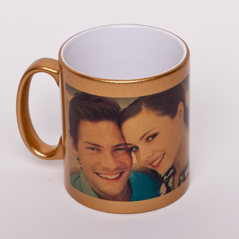 mug tasse dor personnalis avec une photo time 39 s cadeaux personnalises. Black Bedroom Furniture Sets. Home Design Ideas