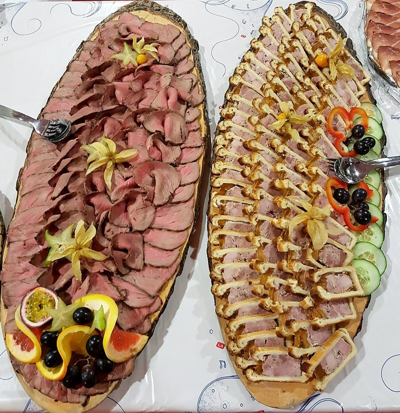 Boucherie WITTMANN BRAND buffet rosbif et pâté en croute cocktail - Voir en grand