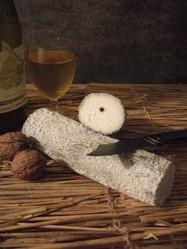 Le Sainte Maure de Touraine - FROMAGES AU LAIT DE CHEVRE - Aux saveurs des Lys - Fromages fermiers - Voir en grand