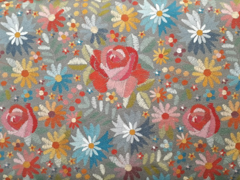 """Jersey """"Broderie de fleurs"""" - TISSUS JERSEY - AU DE A COUDRE - Voir en grand"""