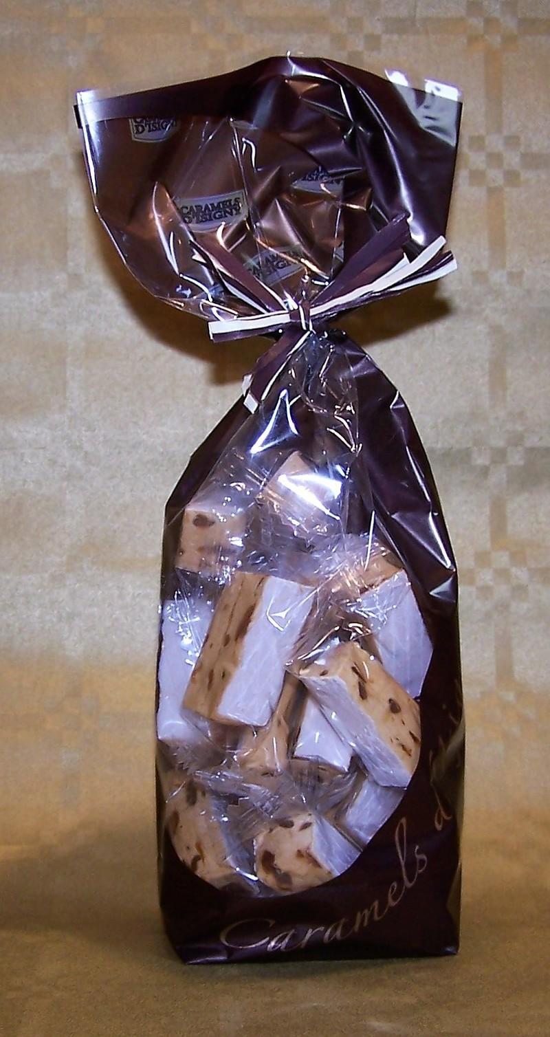 Dominos nougat tendre au caramel beurre salé - Caramels et Chocolats - La Cave d'Orgueil - Voir en grand