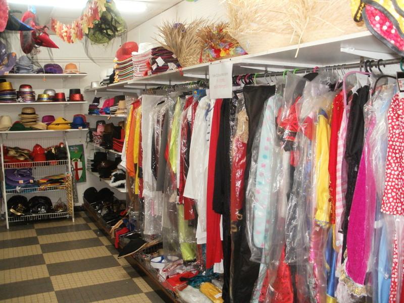 Déguisements, Costumes, Chapeaux... - Articles Festifs et Humoristiques - COSY Cherry - Voir en grand