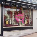 AUX TROIS PETITS MITRONS